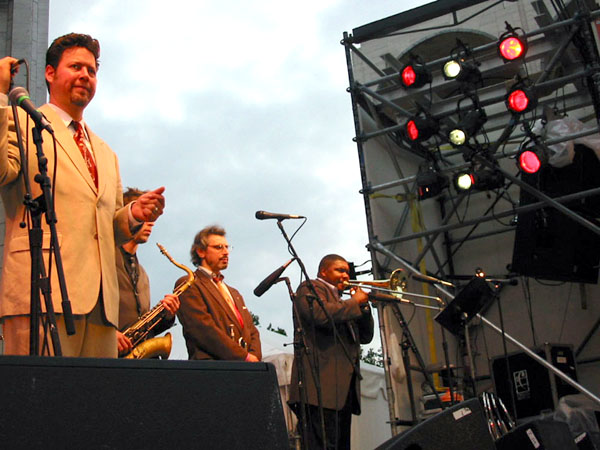 Ron Sunshine, Craig Dreyer, Tim Ouimette, Wycliffe Gordon at Midsummer Night Swing, Lincoln Center, NYC (July 9, 2003); Credit: Feather Frazier